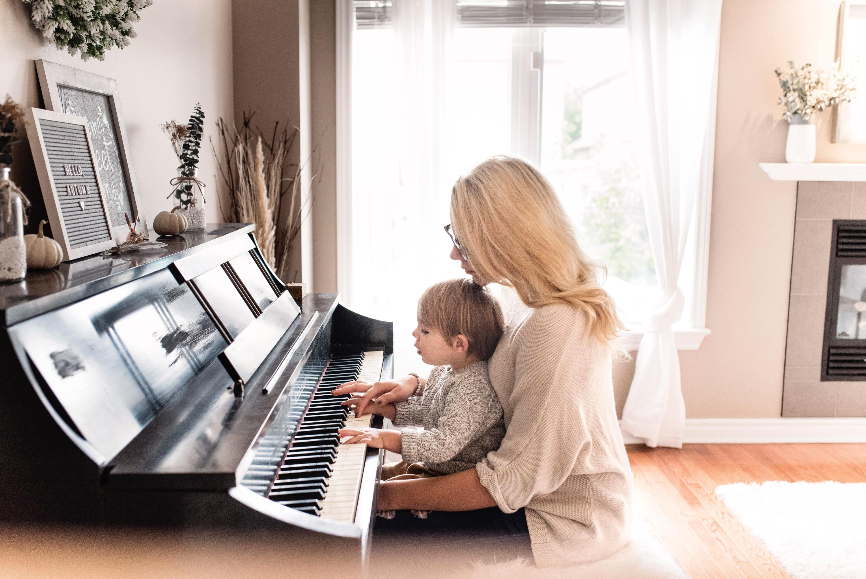 ƯU ĐÃI 10% HỌC PHÍ Tất Cả Các Bộ Môn: Piano, Violon, Guitar, Ukulele, Vocal, Drum, Keyboard.